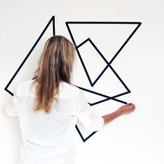 Hoe tof! Geef de muren een creatieve make-over met washi tape. #famme…