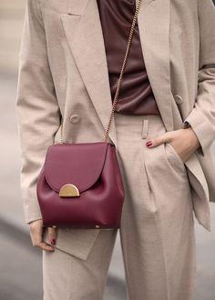 Number One Mini - Monochrome Burgundy - Polène Curvy Fashion, Diy Fashion, Fashion Bags, Fashion Shoes, Fashion Accessories, Womens Fashion, Fashion Design, Fashion Trends, Ladies Fashion