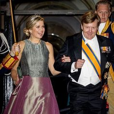 King Willem-Alexander of The Netherlands and Queen Maxima of The Netherlands leave the Royal Palace Amsterdam after the Gala diner for the Corps diplomatique on April 2018 in Amsterdam,. Get premium, high resolution news photos at Getty Images Queen Of Netherlands, Amsterdam Netherlands, Holland Netherlands, Royal Families Of Europe, Dutch Royalty, Queen Dress, Gala Dinner, Charlotte Casiraghi, Queen Maxima