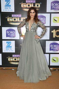 bollywoodmirchitadka: Rubina Dilaik and Aarti Singh at Zee Gold Awa. Boro, Actor Govinda, Aarti Singh, Actress Priyanka Chopra, Sexy Poses, Bollywood Actors, Brown Hair Colors, Celebs, Celebrities