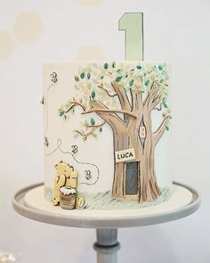 Winnie the Pooh Birthday Cake Winnie The Pooh Themes, Winnie The Pooh Cake, Winnie The Pooh Birthday, Vintage Winnie The Pooh, 1st Birthday Cakes, Baby Birthday, Birthday Ideas, Baby Shower Cakes, Create A Cake