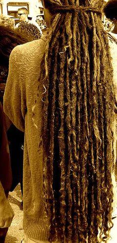 Glorious dreads on super curly hair Dreadlock Hairstyles, Weave Hairstyles, Cool Hairstyles, Dreadlock Styles, Dreads Styles, Rapunzel, Dread Braids, Long Dreads, Beautiful Dreadlocks