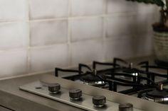ステンレス製のドロップインコンロを採用。 #リンナイ #ドロップインコンロ #ステンレスコンロ #4口コンロ Stove, Kitchen Appliances, Image, Diy Kitchen Appliances, Home Appliances, Range, Kitchen Gadgets, Hearth Pad, Kitchen