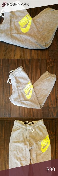 Nike fit sweats 80%cotton 20%polyester  Excellent condition and so much life left!  May be interested in a trade for size small in nike spandex. Nike Pants Track Pants & Joggers