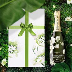 Perrier Jouet, Liquor Bottles, Sparkling Wine, Belle Epoque, Champagne, Sparkle, Drinks, Rose, Decor