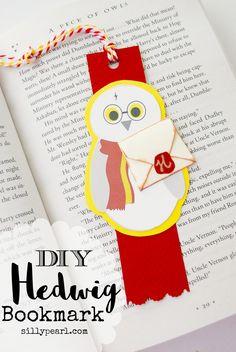 DIY Harry Potter Hedwig Bookmark with Free Printable  Pinned by www.myowlbarn.com