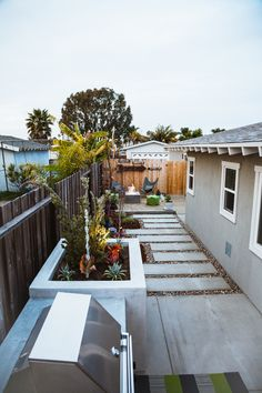 Featured in Sunset Magazine - small spaces landscaping - Dig Garden Design & Build CA Gallery