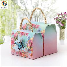 50 Piece Beautiful Butterfly Floral Clutch Handbag Candy Box – Christen My Day Creative Birthday Gifts, Birthday Gifts For Best Friend, Mom Birthday Gift, Candy Bags Birthday, Candy Box Template, Origami Candy Box, Wedding Cake Boxes, Wedding Favors, Paper Candy