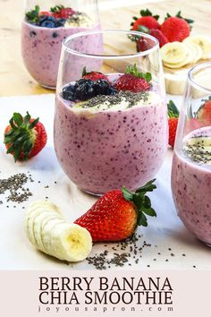 Recipes Breakfast Fruit Berry Banana Chia Smoothie - A delicious and healthy smoothie recipes packed with strawberries, blueberries, banana, yogurt, milk and chia seeds. An easy and delicious fruity breakfast option! Smoothie Detox, Chia Smoothie Recipe, Chia Seed Smoothie, Fruit Smoothie Recipes, Chia Recipe, Yogurt Recipes, Healthy Recipes, Smoothie Drinks, Healthy Foods
