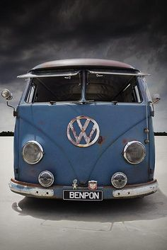 o O o Blue colored Volkswagen front view Volkswagen Transporter, Transporteur Volkswagen, Vw T1 Camper, Vw Caravan, Luxury Sports Cars, Sport Cars, My Dream Car, Dream Cars, Vw California Beach