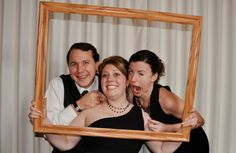 Love the frame idea. So perfect for a formal dance or event.