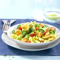 Grilled Fingerling Potatoes with Lemon and Fresh Herbs Broccoli-Hähnchen-Penne Rezepte Chicken Penne Recipes, Healthy Chicken Recipes, Pasta Recipes, Salad Recipes, Vegetarian Recipes, Cooking Recipes, Meat Recipes, Weight Watchers Chicken, Weight Watchers Meals