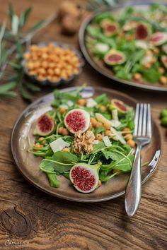 Rucola Parmesan Salat mit Backerbsen, Vorspeisen Rezepte, Salate, Salatideen,  Salatrezepte, Antipasti, veggie Vorspeise, einfache Vorspeisen, schnelle Rezepte,  gesundes Hauptspeisen, veggie Rezepte, veggie Gerichte, veggie Hauptspeise,  vegetarische Rezepte, vegetarische Rezeptideen, gesunde Rezepte, salad recipes,  veggie recipes, fast starter ideas, healthy recipe, salad to go Food Blogs, Different Recipes, International Recipes, Creative Food, To Go, Easy Peasy, Parmesan, Vegetarian Side Dishes, Vegetarian Recipes Easy