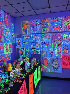 Cassie Stephens: 2019 Art Show: Glow Gallery! Art Club Projects, School Art Projects, Clay Projects, Neon Painting, Painting Art, Pottery Painting, 2nd Grade Art, Collaborative Art, Art Lessons Elementary