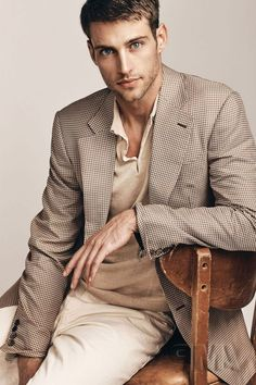 Mens Fashion Suits, Mens Suits, Heath Hutchins, Richmond Football Club, Male Models Poses, Blue Eyed Men, Men Photoshoot, Img Models, Club Outfits
