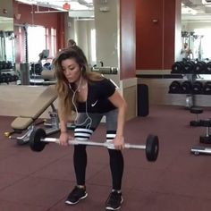 Fat burning weight training Video credit @christine_fitness Tag your workout buddy ! #gymlife #gymrat #gymtime #getstrong #workout #getfit #justdoit #bodybuilding #fitspo #fitness #fitspiration #cardio #ripped #gym #crossfit #beachbody #exercise #shredded #abs #getfit #sixpack #weightloss #aesthetic #hiit #cleaneating #eatclean #6pack