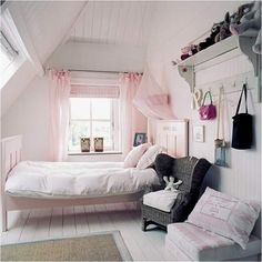 Vintage Style Teen Girls Bedroom Ideas