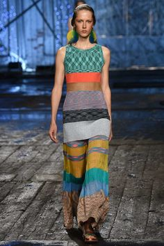 See the complete Missoni Spring 2017 Ready-to-Wear collection.