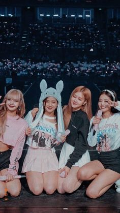 This to all blinks . Blackpink will be having a comeback probably, mid June ! Kpop Girl Groups, Korean Girl Groups, Kpop Girls, Kim Jennie, Blank Pink, Blackpink Poster, Lisa Blackpink Wallpaper, Black Wallpaper, Blackpink Memes