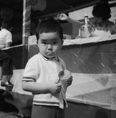 photo from CityFiles Press Eye to Eye: Photographs by Vivian Maier/Jeffrey Goldstein Collection