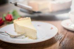 Du suchst nach einem klassischen cremigen Käsekuchen? Hier habe ich ein Familienrezept für dich!