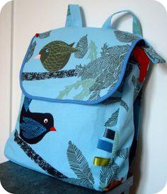*Tadaam !: Sac à dos Tropical / Tuto           Méme tissu que pour mon fauteuil , trés joli ce sac :-)