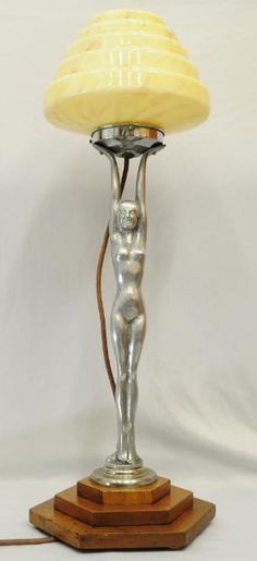 HUGE ANTIQUE ART DECO DIANA NUDE LADY LAMP WORKING HONEY MARBLED STEPPED SHADE