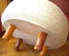 Resultado de imagen para puff con neumaticos Tyres Recycle, Diy Recycle, Tire Ottoman, Recycling, Tire Chairs, Old Tires, Repurposed, Diy And Crafts, Sweet Home