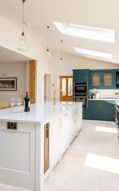 Kitchen design This project features a large L shape kitchen with a kitchen island separating the ki Rustic Kitchen Design, Kitchen Room Design, Kitchen Layout, L Shape Kitchen, Kitchen Ideas, Kitchen Decor, Open Plan Kitchen Dining Living, Family Kitchen, Living Room Kitchen