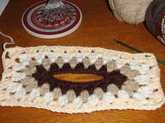 crochet:: granny tissue box cover | yarnchick40