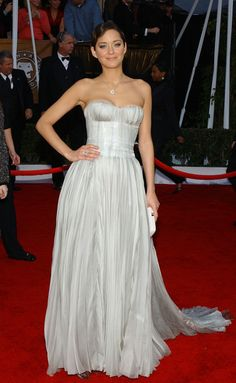 We love everything Marion Cotillard wears, including this powder blue Nina Ricci gown // 2008 SAG Awards