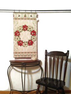 Quilted Wall Hanging Tapestry Poinsettia Holiday Backdrop Christmas Decor (44.99…