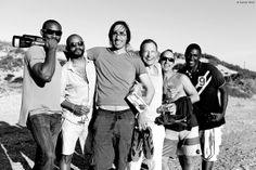 MAKEDA AFRIQUE DU SUD Andrew (USA) et Shaggy (NIGERIA) entourés de leurs amis lors d'un week-end à Paternoster. Work in progress