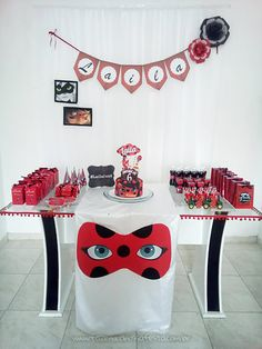 Festa Miraculous Ladybug da Laila 6th Birthday Parties, Baby Birthday, Frozen Birthday, Miraculous Ladybug Party, Ladybug Cakes, Bubble Guppies Birthday, Minecraft Party, Celebrity Weddings, Fiesta Mickey Mouse