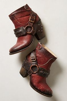 """El Paso Booties #anthropologie From Freebird by Steven Fits true to size Back zip Leather upper, insole, sole 3.5"""" stacked leather heel 4""""H"""