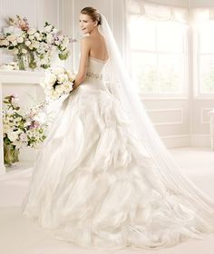 La Sposa Bridal 2013 via fashionbride.wordpress.com