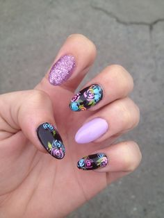 This Pin was discovered by Marleen Melad. Discover (and save!) your own Pins on Pinterest. | See more about black nail designs, stiletto nails and black nails.