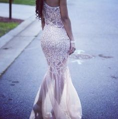 Gorgeous beading! Stunning for prom!
