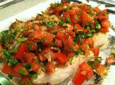 Verse kabeljauw bruschetta uit de oven –Bruschetta is typisch Italiaans. Het is niets anders dan een topping en die kun je op je brood of toast doet. Veelal is het