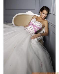 Elegantes schönstes Ballkleid für Prinzessin aus Tüll mit Stickerei