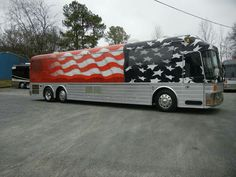 Nice Bus, Luxury Bus, Bus Living, Class A Motorhomes, Pray For America, Fun Travel, Motor Homes, Bus Conversion, Silver Eagles