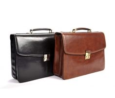 Tony Perotti Mens Italian Bull Leather Parma Classic Double Compartment Leather Laptop Briefcase The Parma Double Compartment Leather Laptop Briefcase is an Laptop Briefcase, Leather Briefcase, Trolley Bags, Cowhide Leather, Italian Leather, Luggage Bags, Travel Bags, Messenger Bag, Shoulder Strap