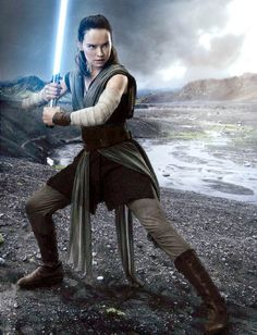 Star Wars The Last Jedi Rey. New look of Her. She is a true Jedi. Rey Star Wars, Star Wars Watch, Reylo, Star Wars Episode 8, Rey Cosplay, Star Wars Sequel Trilogy, Hallowen Costume, Halloween, Star Wars Wallpaper