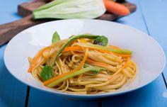 Linguine λαχανικών Linguine, Meals For The Week, Meal Planning, Spaghetti, Ethnic Recipes, Food, Menu Planners, Essen, Yemek
