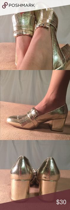 New Steve Madden Classy Gold Loafer With Heel These shoes are absolutely beautiful. These are Brand New/Never Worn and are in PERFECT CONDITION. The heel height of this shoe is 2.5 inches tall. Steve Madden Shoes Flats & Loafers