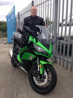 This is Bob who passed his DAS with us recently, and has come to show us his new ride a Kawasaki Z1000 sx  :-)