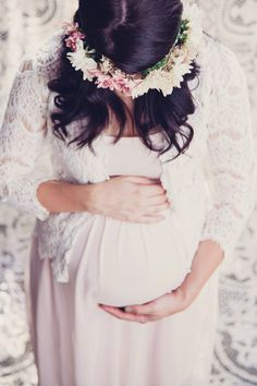 Picture Perfect: Whimsical Maternity Photo Shoot by Carlien Photography - BabaLlama.com