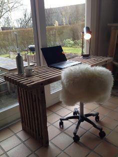 Har lavet dette skrivebord ud af trallere