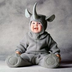 Hahahahaha!!!!!!!! Oh, how I LOVE this! Tons of baby costume ideas. Elephant, Gorilla, Flower, Simba from The Lion King, etc..