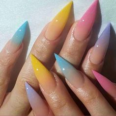 Semi-permanent varnish, false nails, patches: which manicure to choose? - My Nails Acrylic Nails Natural, Best Acrylic Nails, Acrylic Art, Dope Nails, Fun Nails, Stelleto Nails, Claw Nails, Glitter Nails, Gorgeous Nails